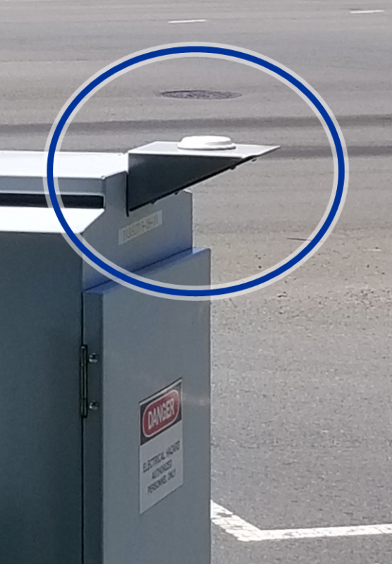 Traffic Cabinet with Low-Profile Antenna